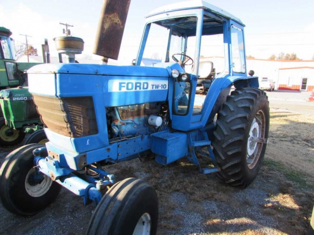 Ford - New Holland TW10 Picture 2