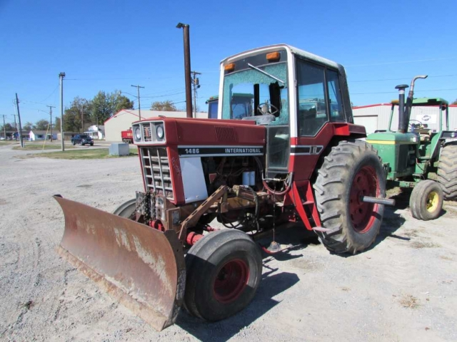 International Harvester (IH) 1486 Picture 1