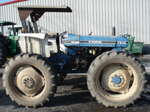 Ford - New Holland 7610 Picture 1