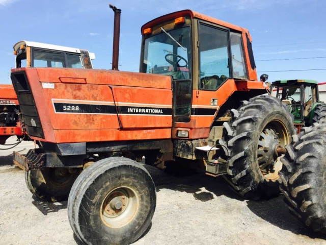 International Harvester (IH) 5288 Picture 2