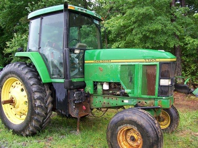 John Deere 7700 Picture 2
