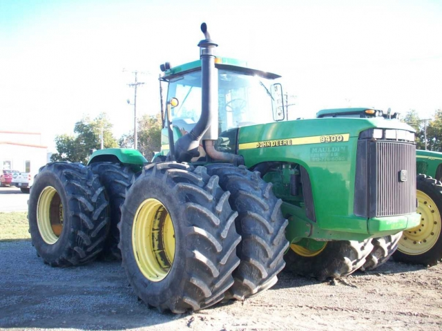John Deere 9400 Picture 2
