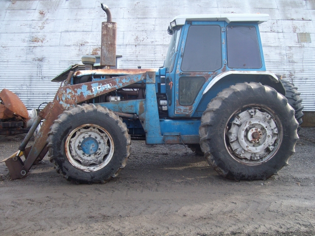 Ford - New Holland TW15 Picture 2