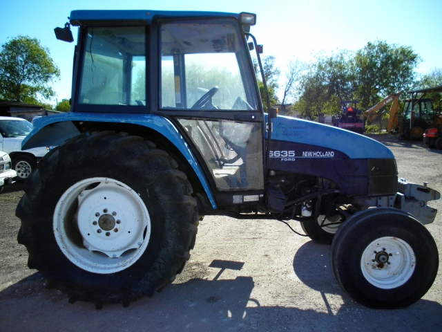 Ford - New Holland 6635 Picture 2
