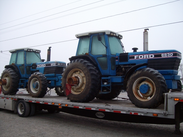 Ford - New Holland 8830 Picture 1