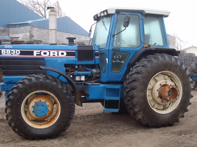 Ford - New Holland 8830 Picture 2