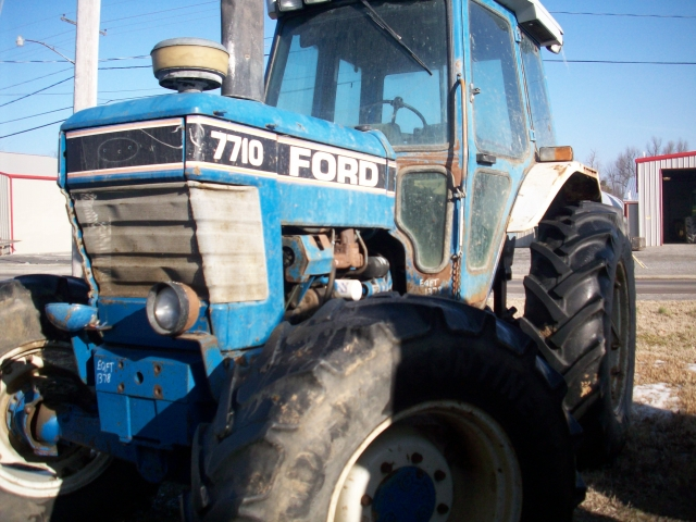 Ford - New Holland 7710 Picture 2