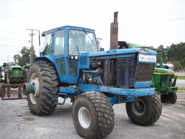 Ford - New Holland TW30 Picture 2