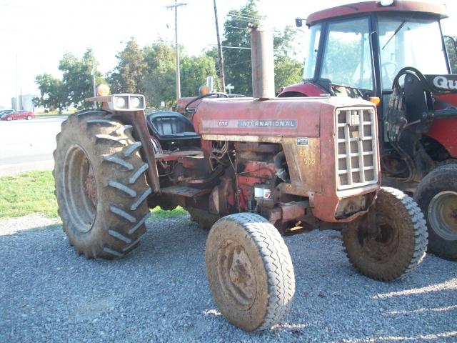 International Harvester (IH) 674 Picture 2