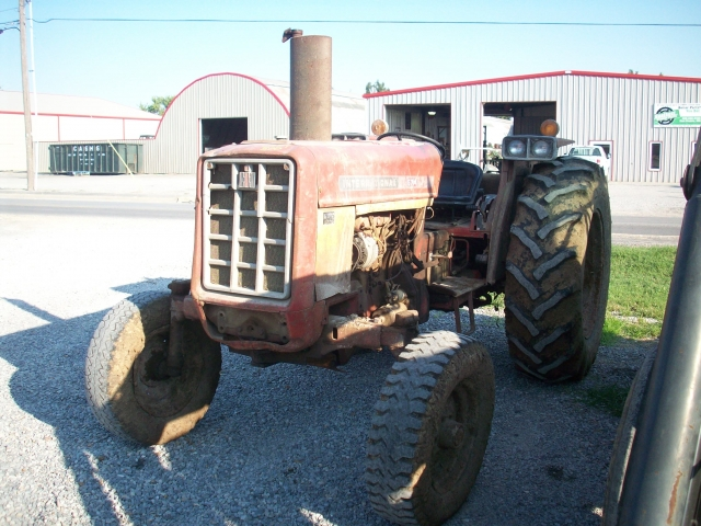 International Harvester (IH) 674