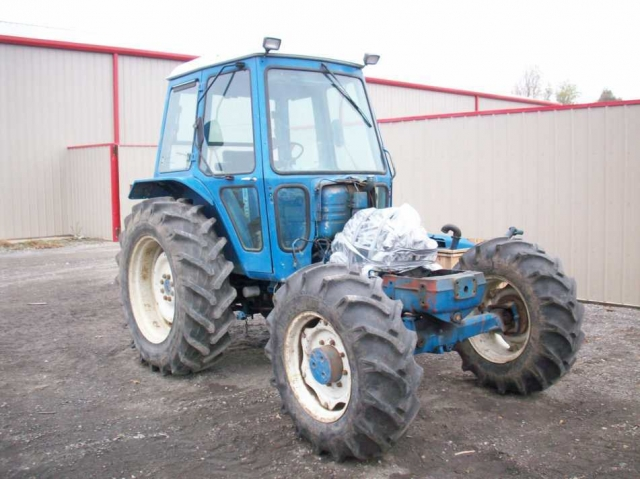 Ford - New Holland 7610 Picture 2
