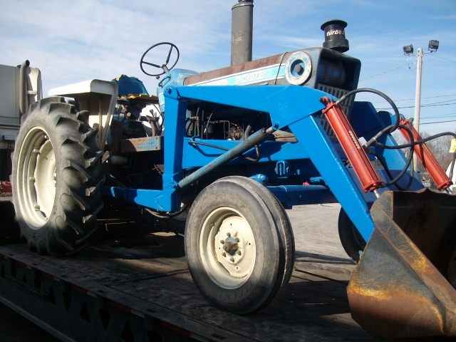 Ford - New Holland 7000 Picture 1