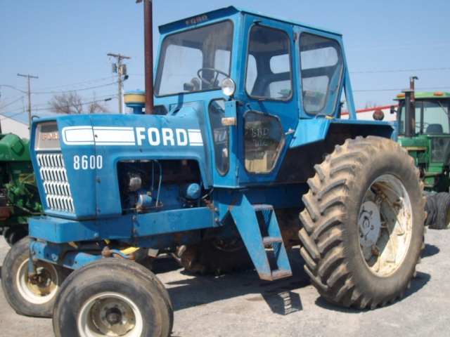 Ford - New Holland 8600 Picture 2