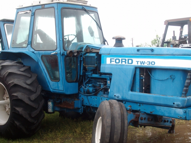 Ford - New Holland TW30