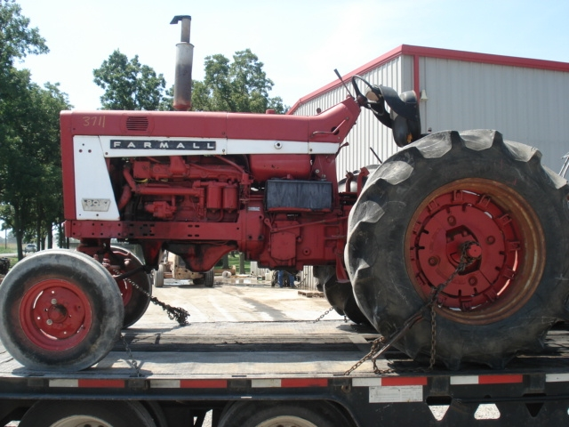 International Harvester (IH) 806