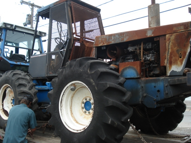 Ford Tractor Salvage Mo : Ford new holland v salvage tractor at bootheel