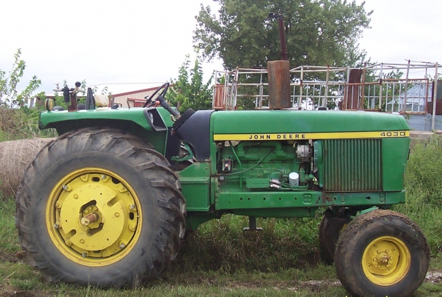 John Deere 4030 Picture 1
