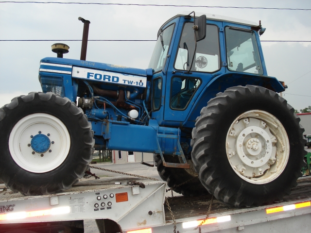 Ford - New Holland TW10 Picture 1