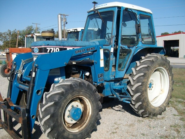 Ford - New Holland 7710 Picture 1