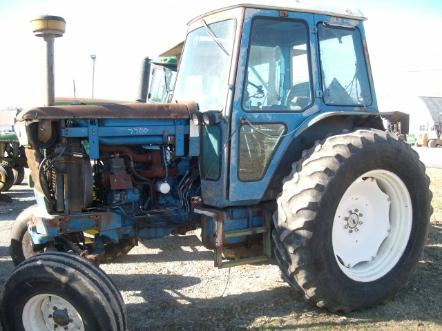 Ford - New Holland 7700 Picture 2