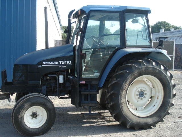 Ford - New Holland TS110 Picture 1