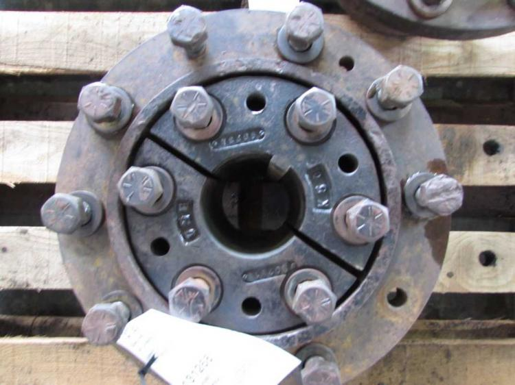 Duel Tractor Spindle : A case i h dual hubs bootheel
