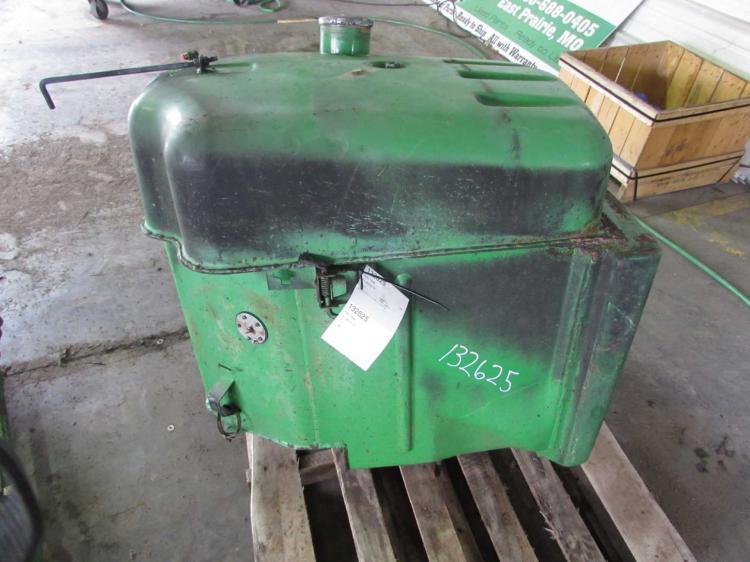 Fuel Tanks For Tractors : Ar john deere fuel tank bootheel tractor parts