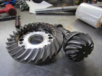 MFD DIFFERENTIAL & PARTS - STEERING Parts for DEERE 6420 -