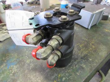 STEERING VALVE - STEERING Parts for DEERE 9400 -