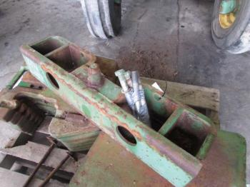 WEIGHT BRACKET - ATTACHMENT Parts for DEERE 4840 -