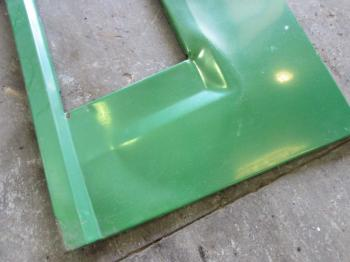 COVER/SHIELD/PANEL - SHEET METAL Parts for DEERE 7200 -