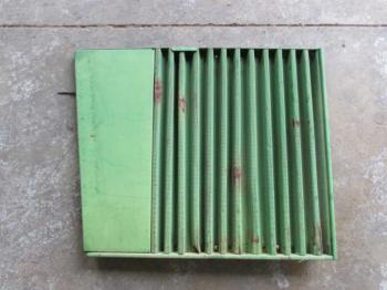 GRILLE/SCREEN - SHEET METAL Parts for DEERE 2840 -