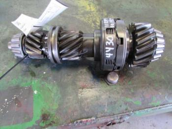 TRANS TOPSHAFT ASSY - POWER TRAIN Parts for DEERE 4240 -