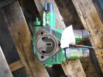 HYD REMOTE VALVE & PARTS - HYDRAULICS Parts for DEERE 7200 -