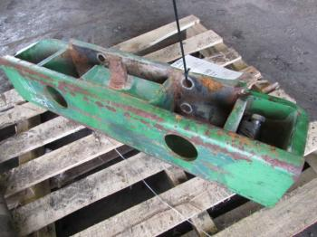 WEIGHT BRACKET - ATTACHMENT Parts for DEERE 4640 -