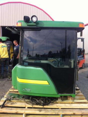 COMPLETE CAB - CAB Parts for DEERE 9300 -