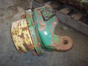 MFD HUB & PARTS - STEERING Parts for DEERE 2750 -