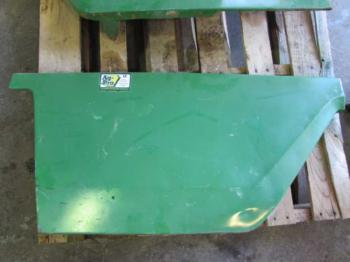 COVER/SHIELD/PANEL - SHEET METAL Parts for DEERE 8300 -