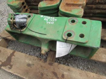 WEIGHT BRACKET - ATTACHMENT Parts for DEERE 7200 -