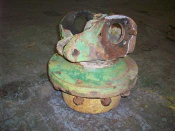 MFD HUB & PARTS - STEERING Parts for DEERE 7400 -