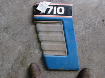 GRILLE/SCREEN - SHEET METAL Parts for FORD/NHOLLAND 7710 -