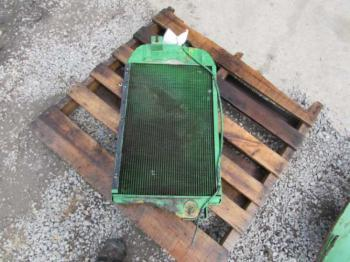 RADIATOR - COOLING Parts for DEERE 2840 -