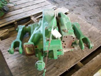 ROCKSHAFT & PARTS - 3-PT Parts for DEERE 4430 -