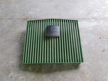 GRILLE/SCREEN - SHEET METAL Parts for DEERE 8630 -