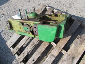 FRONT AXLE SUPPORT - STEERING Parts for DEERE 4030 -