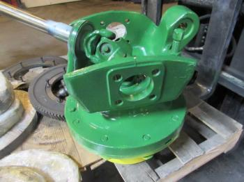 MFD HUB & PARTS - STEERING Parts for DEERE 7810 -