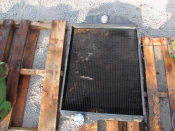RADIATOR - COOLING Parts for DEERE 4240 -