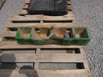 WEIGHT BRACKET - ATTACHMENT Parts for DEERE 8300 -