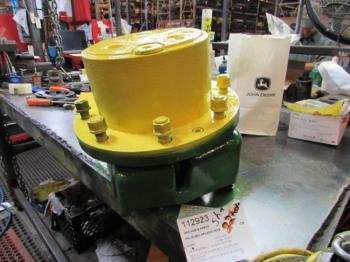 MFD HUB & PARTS - STEERING Parts for DEERE 6420 -