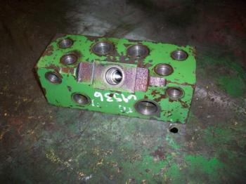 STEERING VALVE - STEERING Parts for DEERE 8770 -